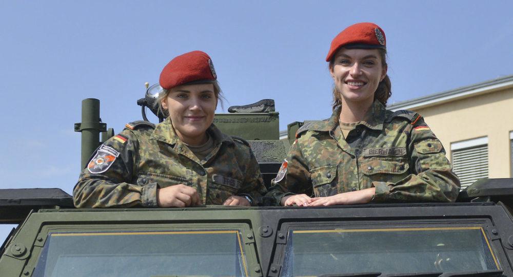 Kein Handschlag für Frauen: Bundeswehr durfte Soldaten